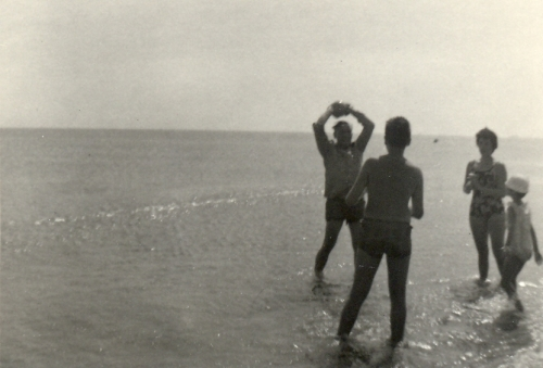 ballon à la plage.jpg